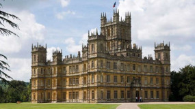 Highclere_Castle_2696703b